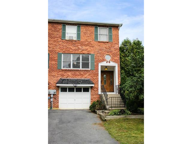 225 Vista Drive, Easton, PA 18042