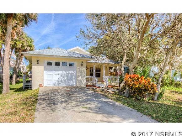914 1st Ave, New Smyrna Beach, FL 32169