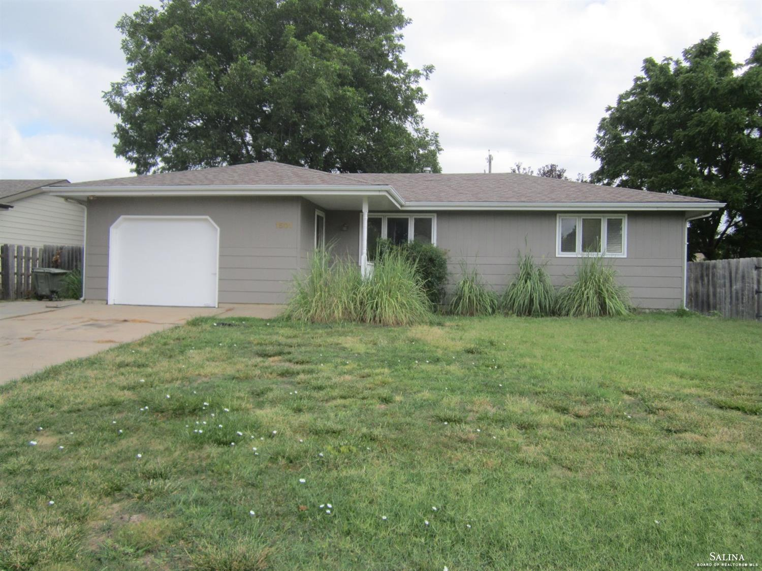 1501 E Minneapolis Avenue, Salina, KS 67401