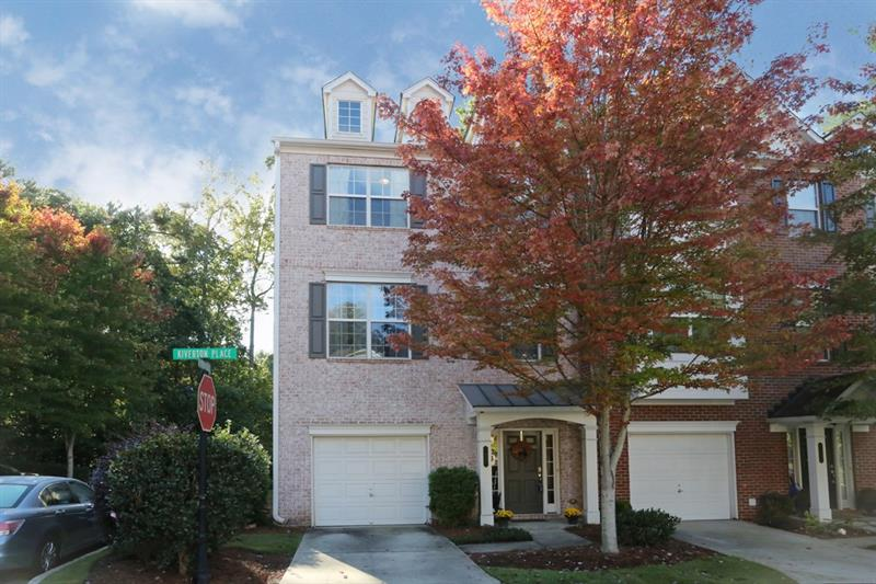 Adorable end unit in gated Cambridge! Main lvl open & bright w/ hdwd flrs. Kitchen feat s/s apps,granite counters,pantry,& b'fast bar. Main liv area a combo of din & liv rm w/ cozy FP, perfect for entertaining. Master a true retreat including trey ceiling,walk-in closet,& bath w/ dble vanities,jetted tub,& sep shower. Add'l upstairs bdrm well-sized & bright w/ attached bath. Lower lvl bdrm w/ bath could be office, gym, or playroom. Laundry up! Deck ideal for outdoor enjoyment. 1 car garage! Amazing location close to interstates, shopping, restaurants, and Overlook Park!