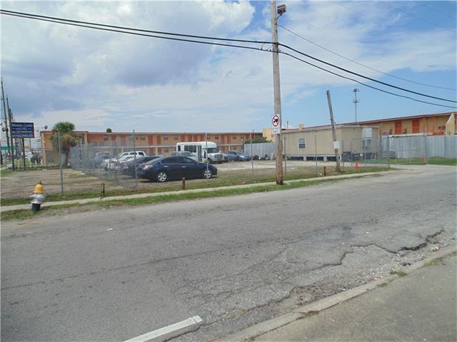 6099 CHEF MENTEUR Highway, New Orleans, LA 70126