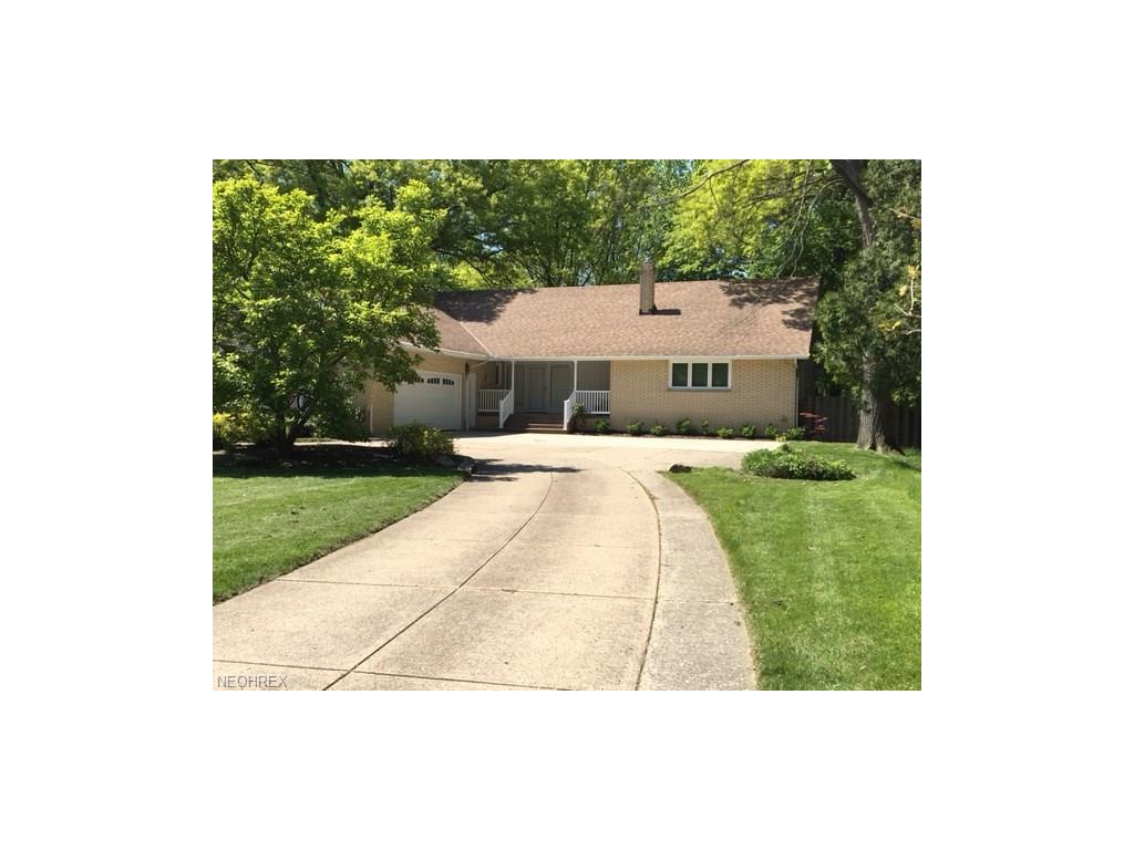 20820 Mastick Rd, Fairview Park, OH 44126