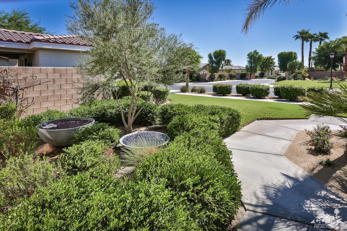 60375 Living Stone Drive, La Quinta, CA 92253