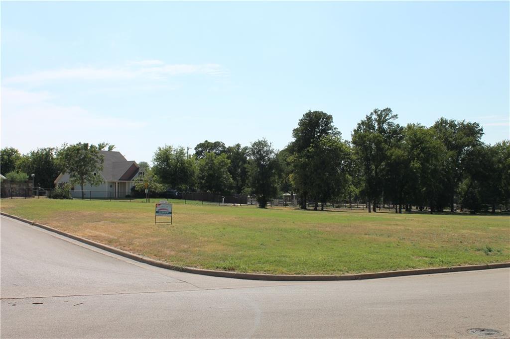 101 Heritage Place, Glen Rose, TX 76043