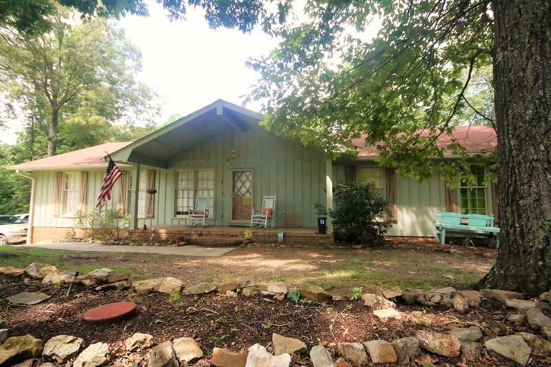 1 SE Laverne Court, Silver Creek, GA 30173