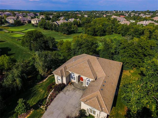 9659 Deer Run Street, Lenexa, KS 66220