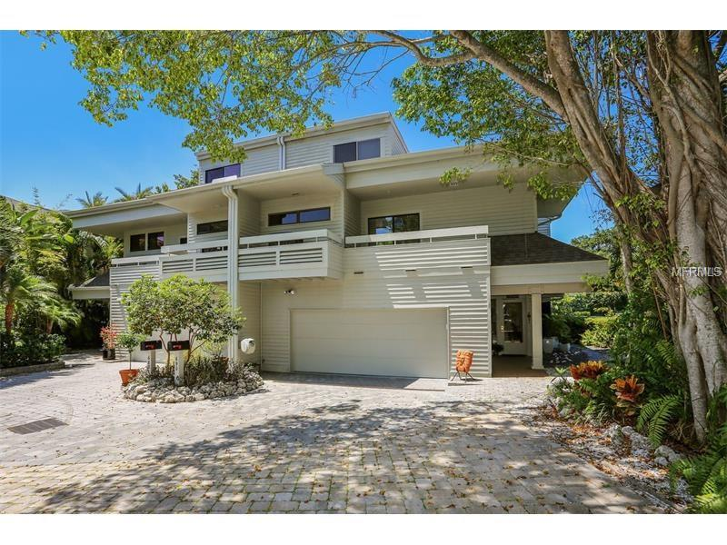690 LANDS END DRIVE, LONGBOAT KEY, FL 34228