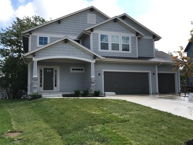 948 N Cedarcrest Drive, Olathe, KS 66061