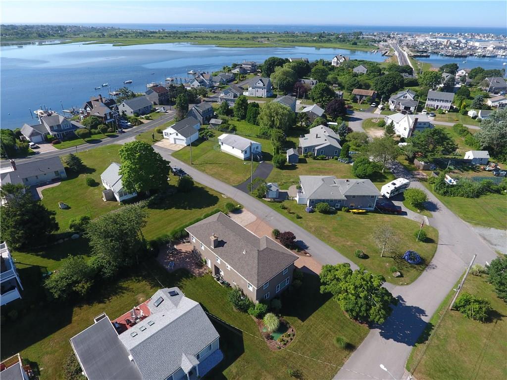 13 Nautilus RD, Narragansett, RI 02882