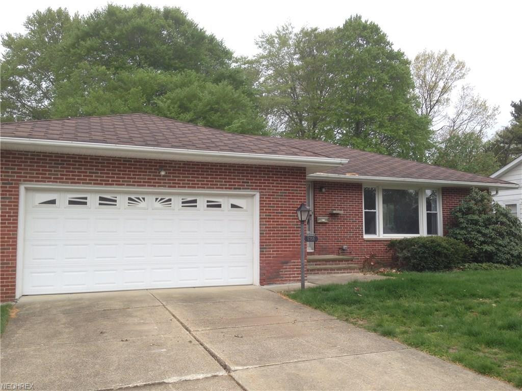 6758 Larchmont Dr, Mayfield Heights, OH 44124