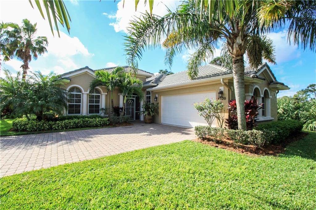 4520 NW Indian Oak CT, Jensen Beach, FL 34957