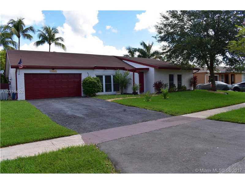 10445 SW 50th Pl, Cooper City, FL 33328