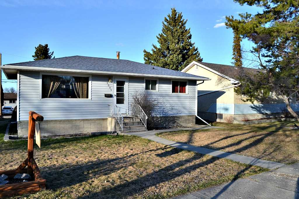 5095 45 Street, Drayton Valley, AB T7A 1T2