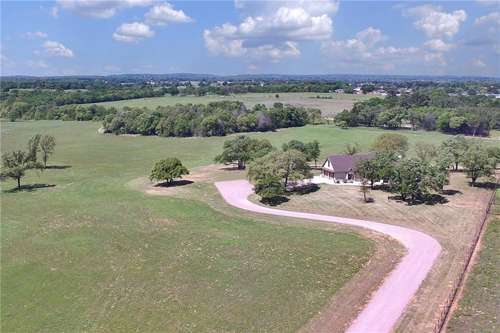 444 St Onge Drive, Gainesville, TX 76240