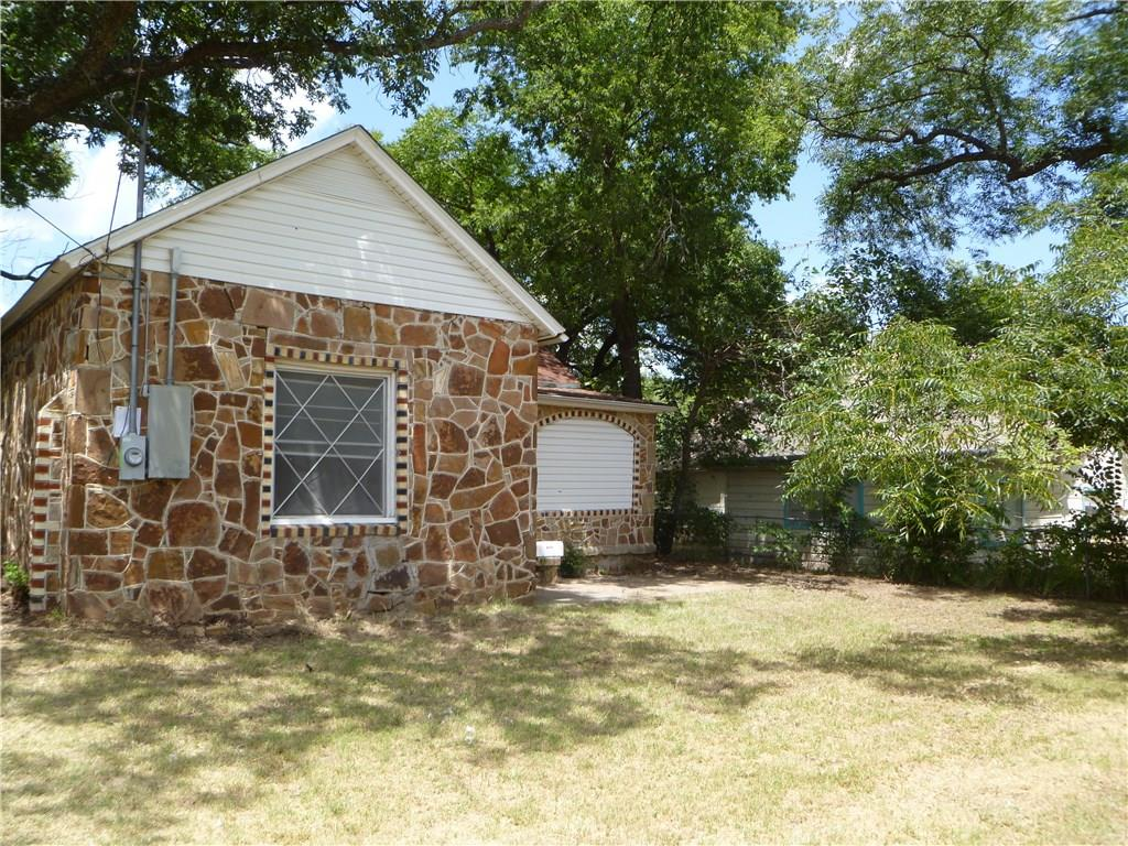 412 W Ball Street, Weatherford, TX 76086