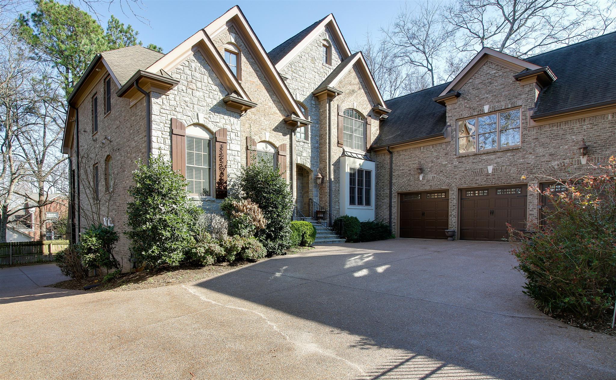 4222 Jamesborough Pl, Nashville, TN 37215