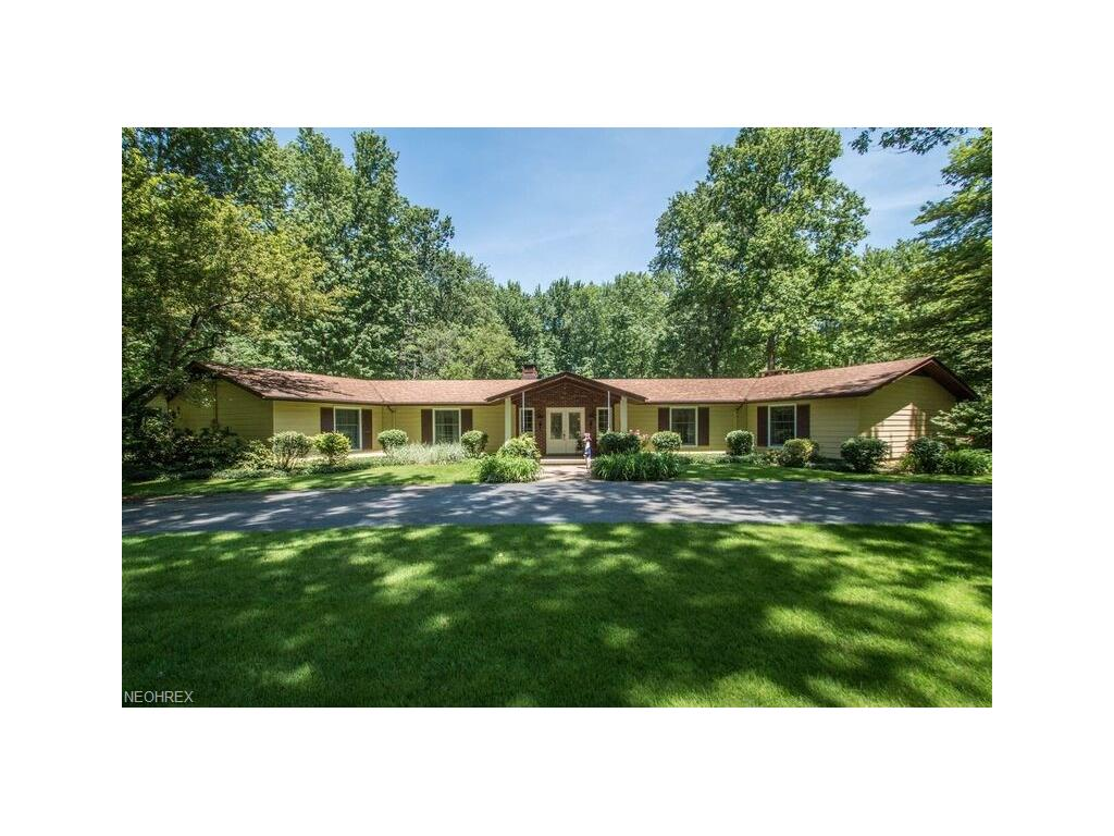 9251 Boyer Ln, Kirtland Hills, OH 44060