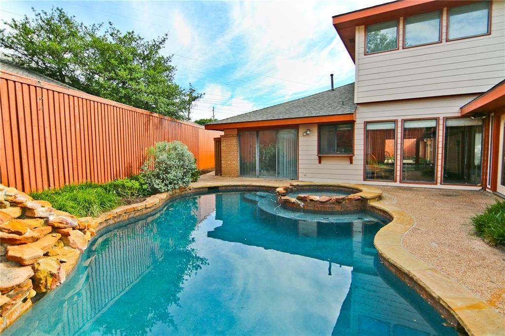 7126 Manor Oaks Drive, Dallas, TX 75248