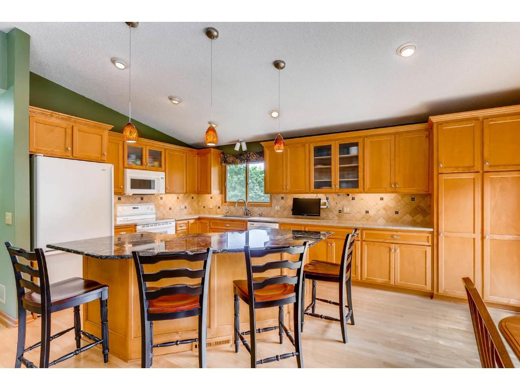 10599 97th Place N, Maple Grove, MN 55369