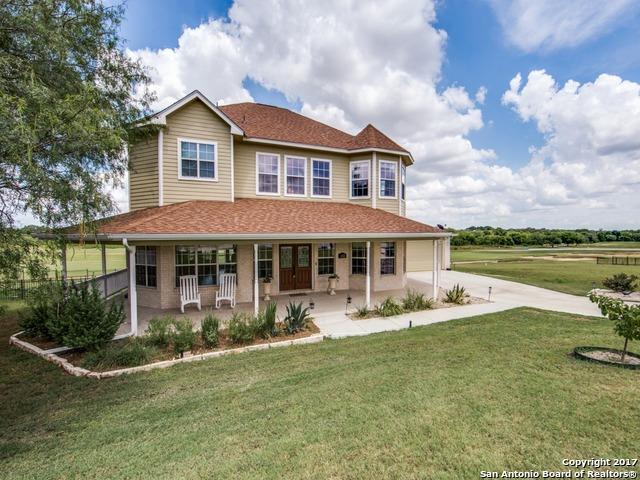 132 Grand Vw, Floresville, TX 78114