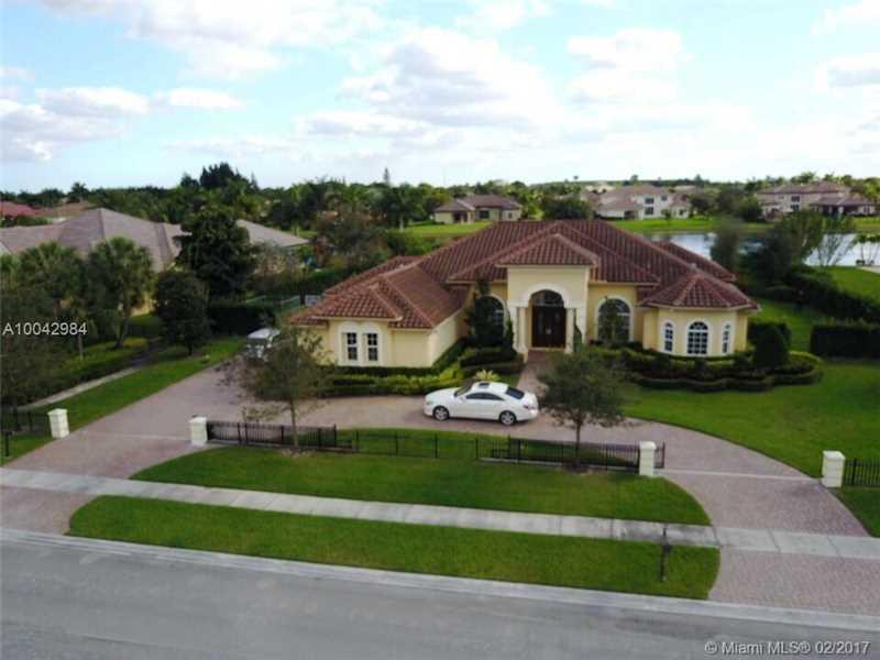 14450 JOCKEY CIRCLE N, Davie, FL 33330