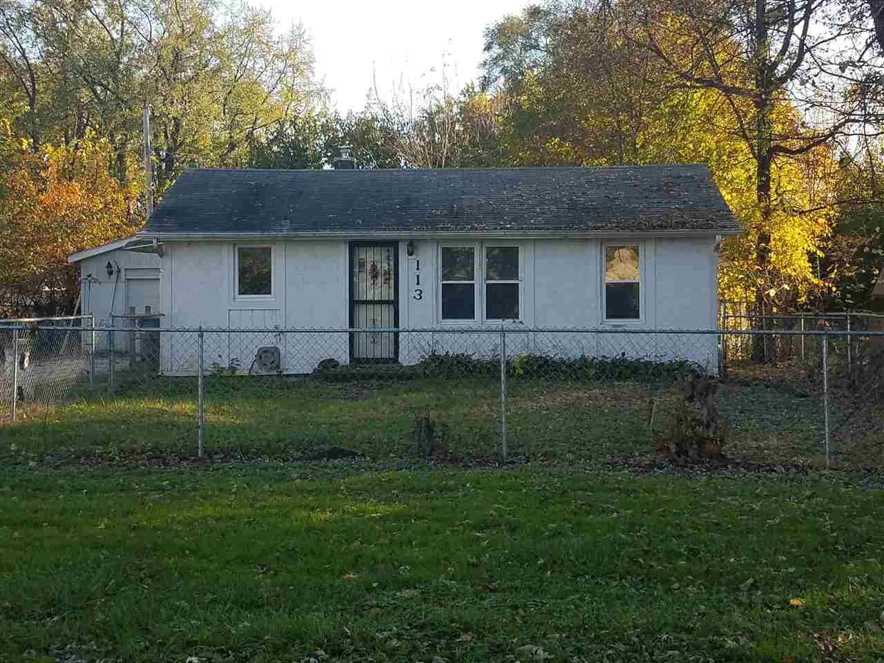 113 E Greenview, MACHESNEY PARK, IL 61115