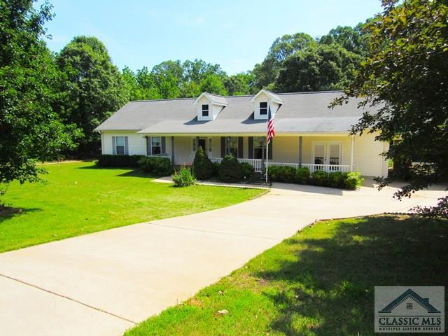 424 Stillwood Dr, Hartwell, GA 30643