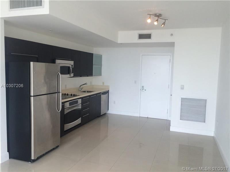 90 SW 3rd St 1809, Miami, FL 33130