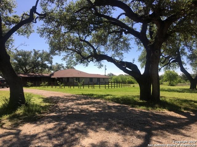 95 COUNTY ROAD 425, McCoy, TX 78113