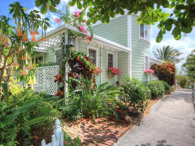 HILL TOP, WELL LANE, Abaco,  00008