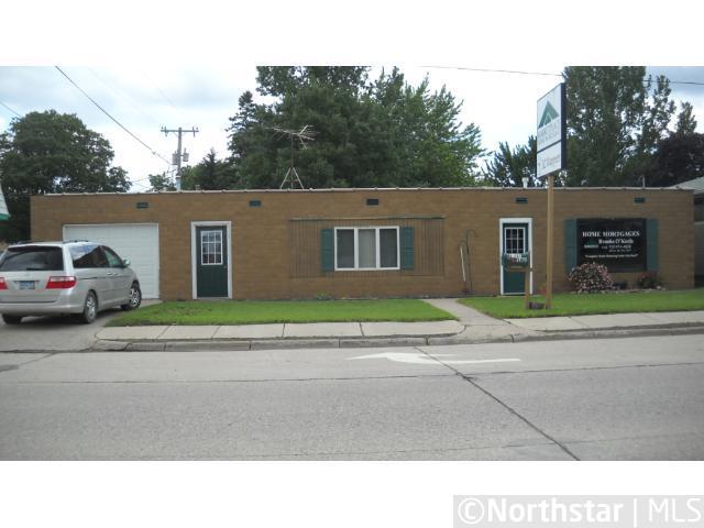 16 E Derrynane Street, Le Center, MN 56057