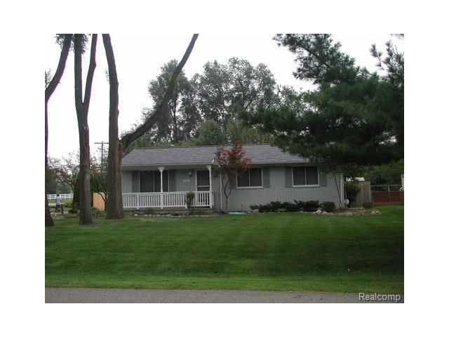 37411 CARSON ST, Farmington Hills, MI 48331