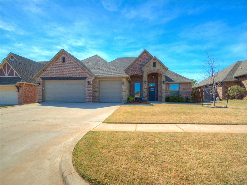 813 Samantha Lane, Moore, OK 73160