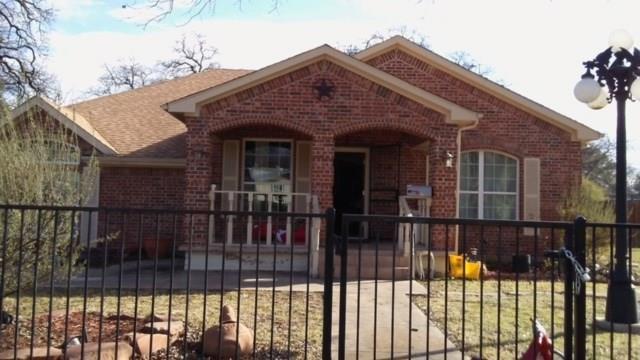 2300 Harris Lane, Haltom City, TX 76117