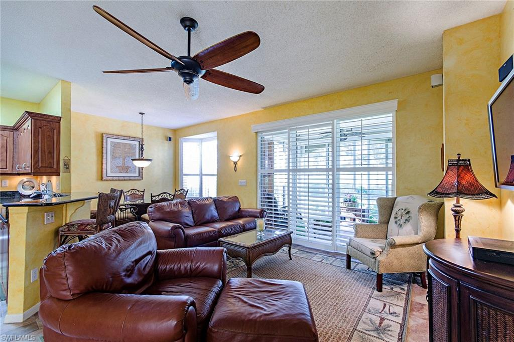 81 Silver Oaks CIR 7102, NAPLES, FL 34119