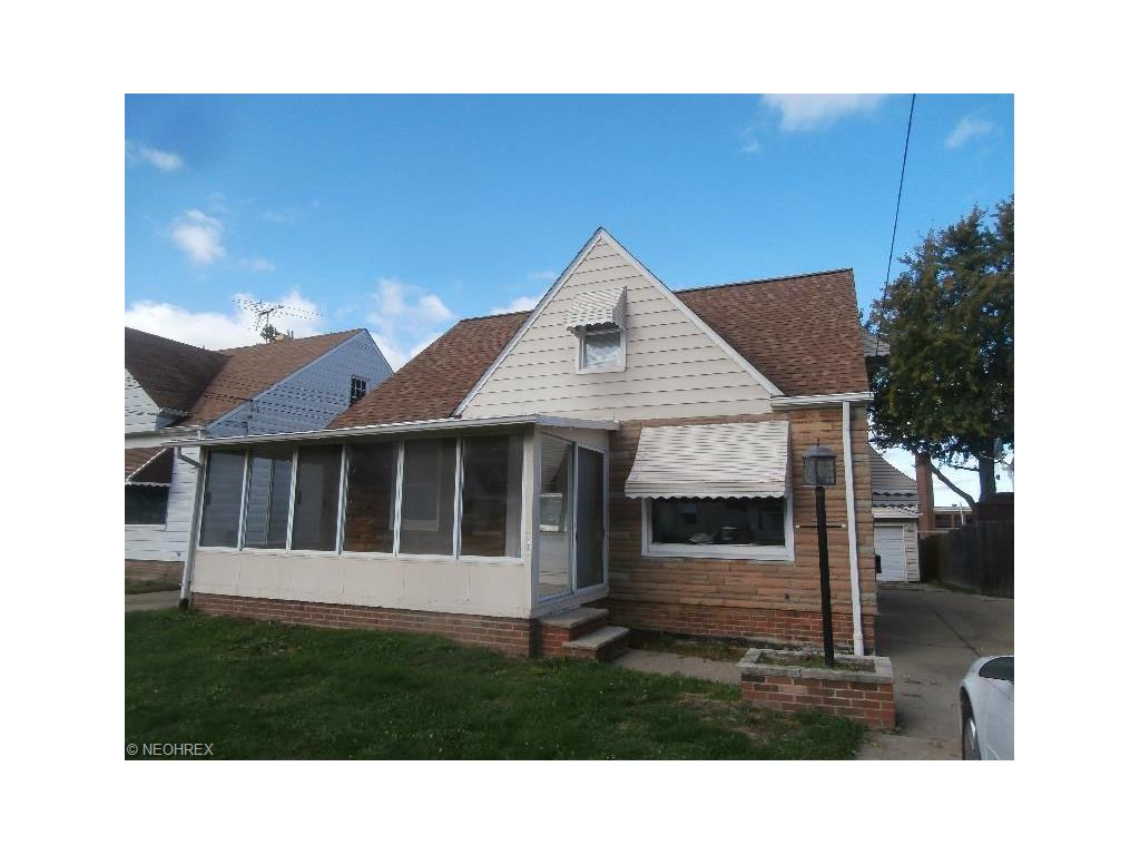 1742 Silver St, Wickliffe, OH 44092