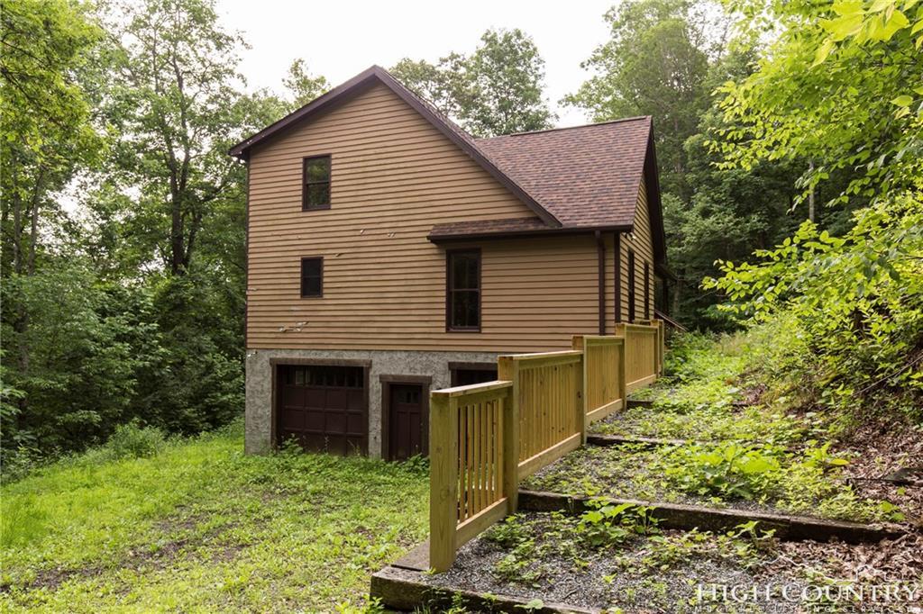 521 Hidden Pond Road, Boone, NC 28607