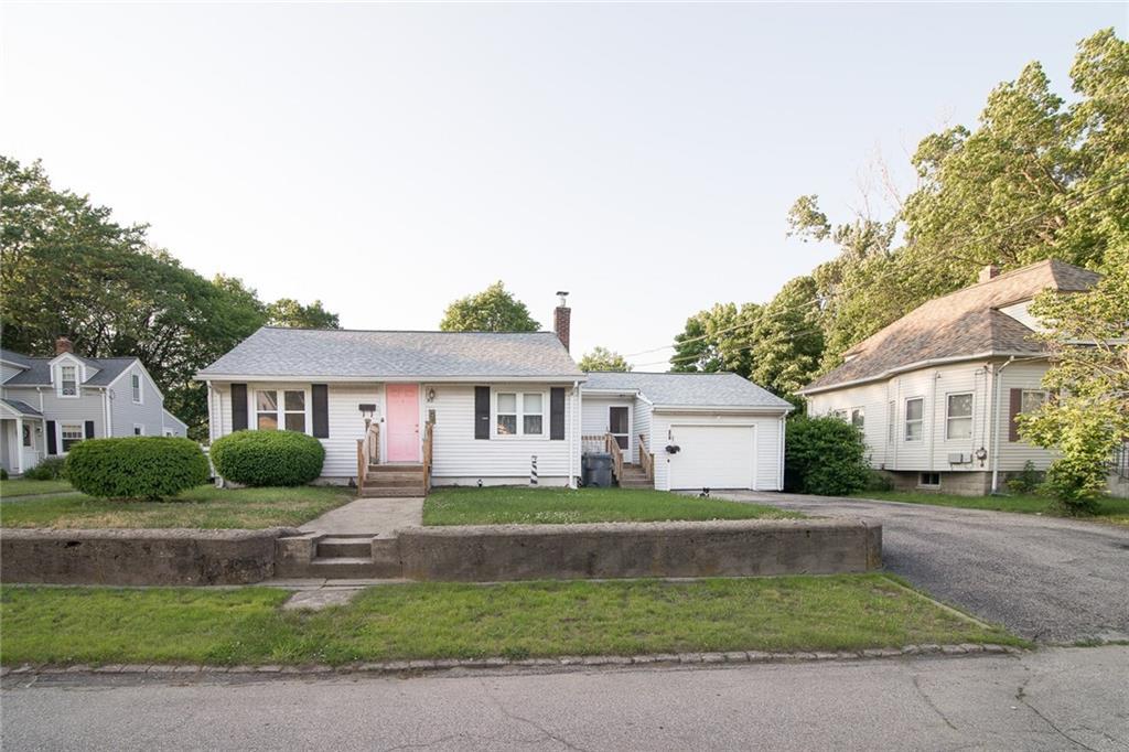 95 Glendale AV, Warwick, RI 02889