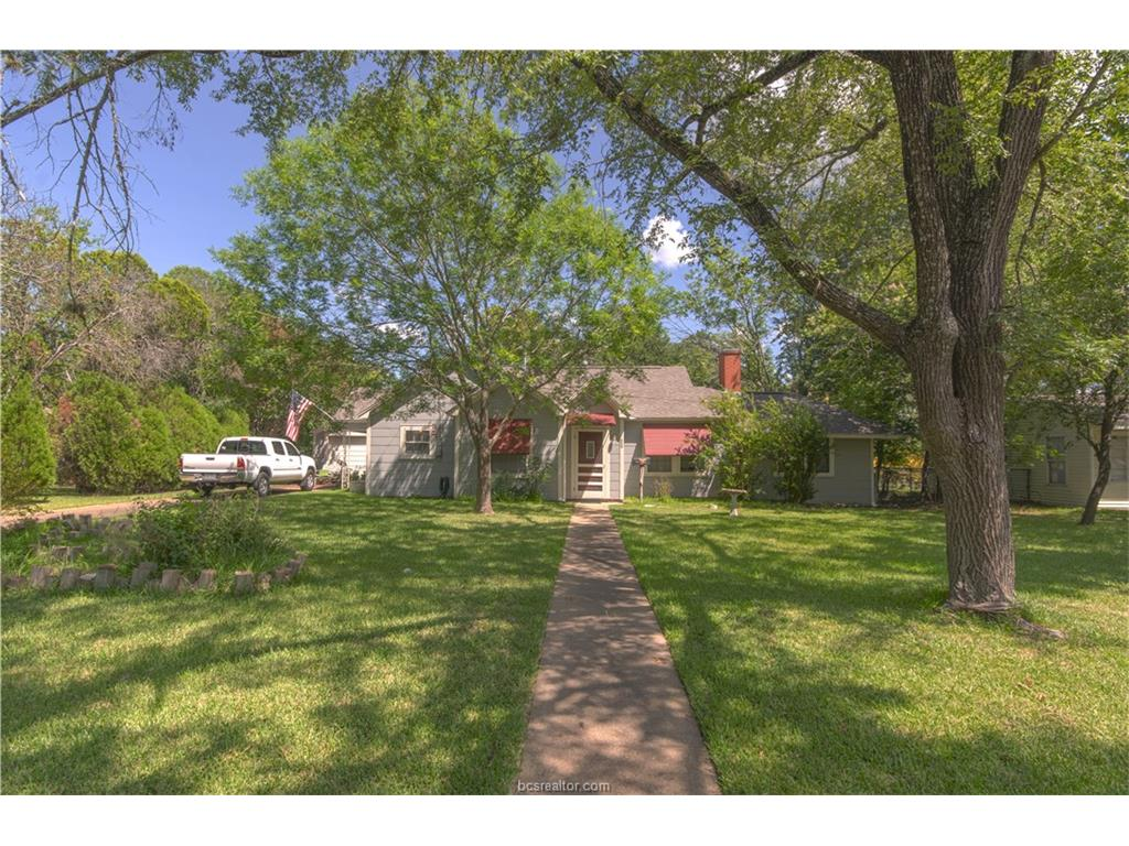 202 Gilchrist, College Station, TX 77840