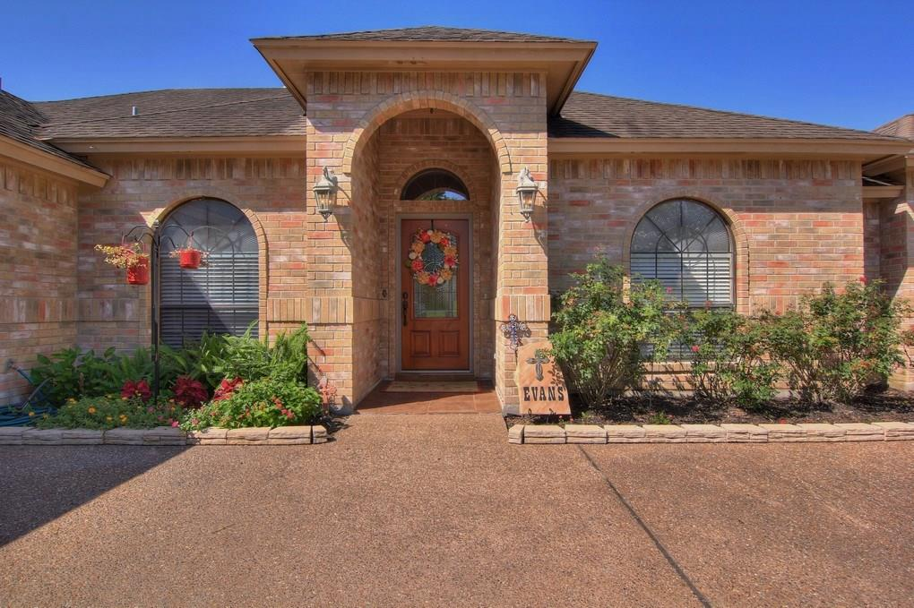 15313 Guadalupe River Dr, Corpus Christi, TX 78410