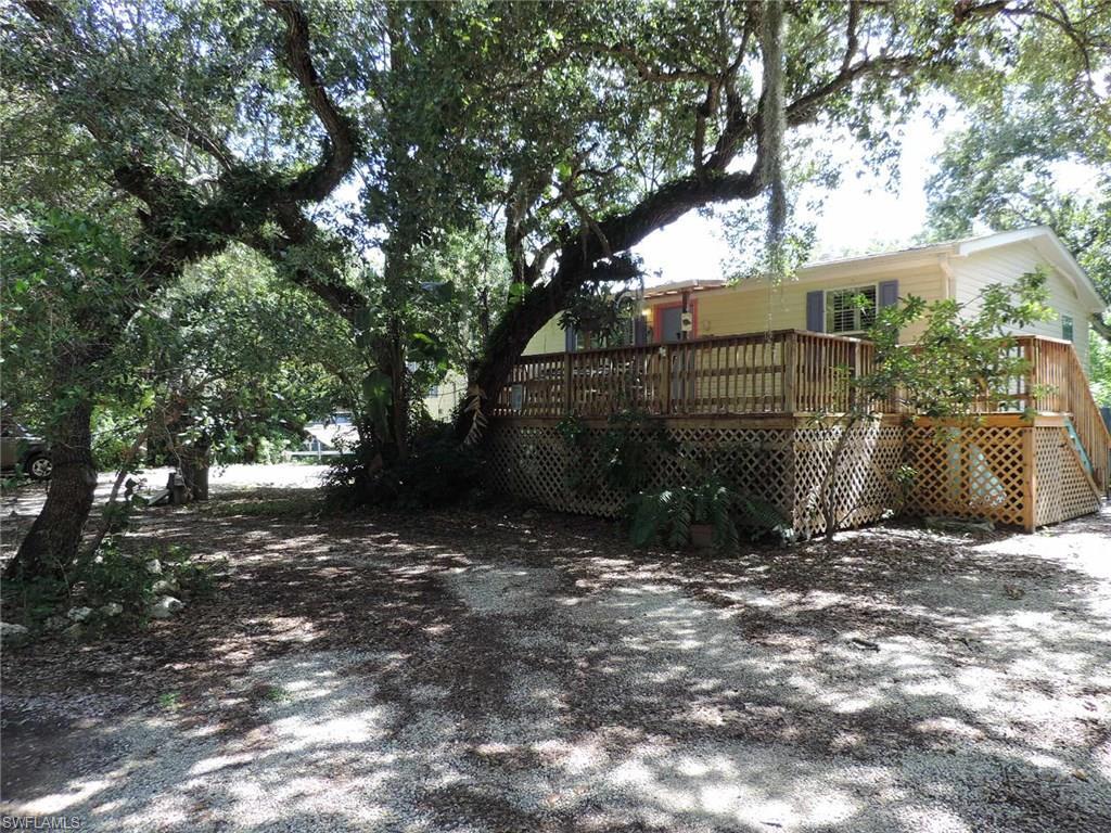 778 Oak ST, FORT MYERS BEACH, FL 33931