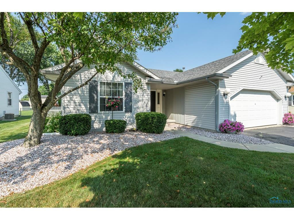 1951 Carvelle Drive, Northwood, OH 43619