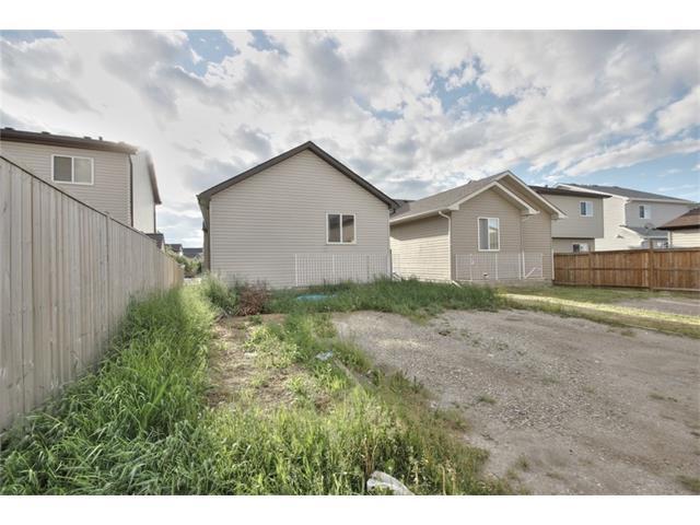 386 MARTINDALE Drive NE, Calgary, AB t3j 0L2