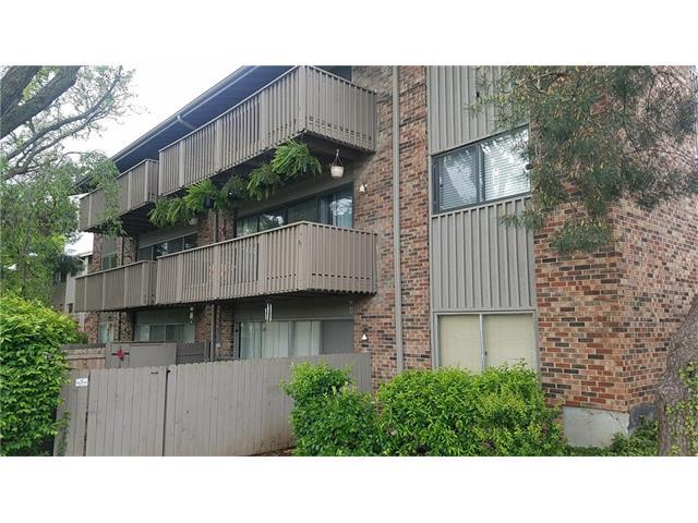 8708 Metcalf Avenue, Overland Park, KS 66210