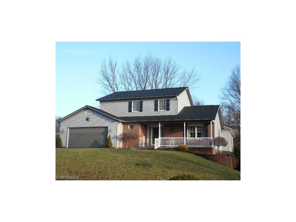 634 Ridgewood Dr, Coshocton, OH 43812