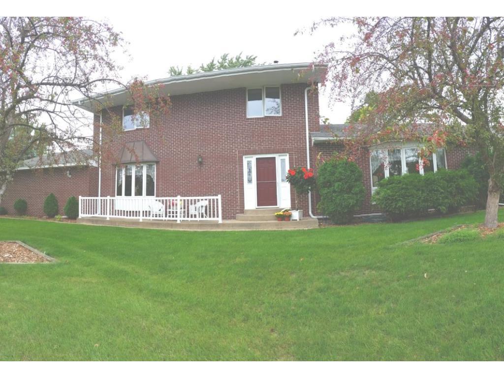 15518 Lac Lavon Drive, Burnsville, MN 55306