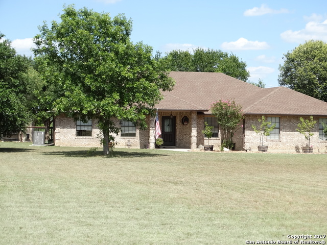 102 OLD CAMPBELL RD, Seguin, TX 78155