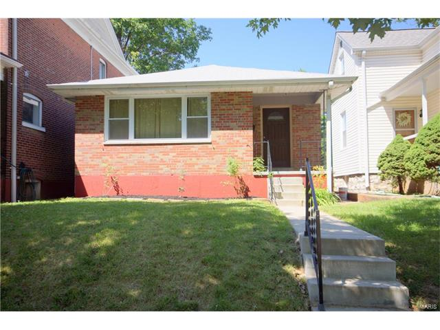 4628 Rosa Avenue, St Louis, MO 63116