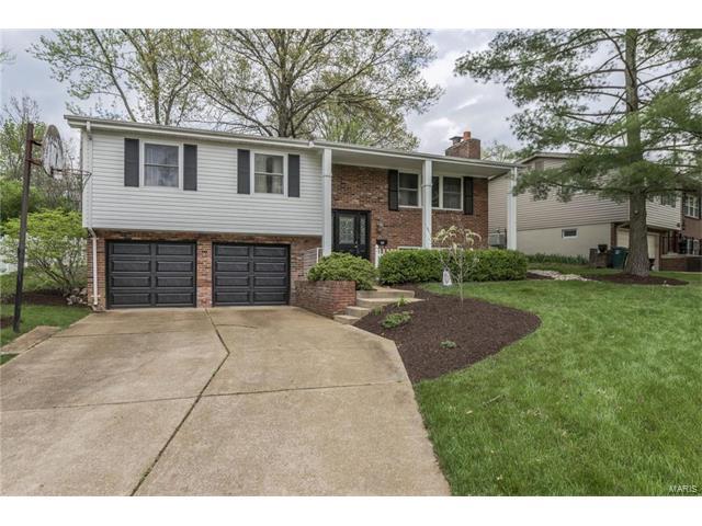 129 Oakside Lane, Kirkwood, MO 63122