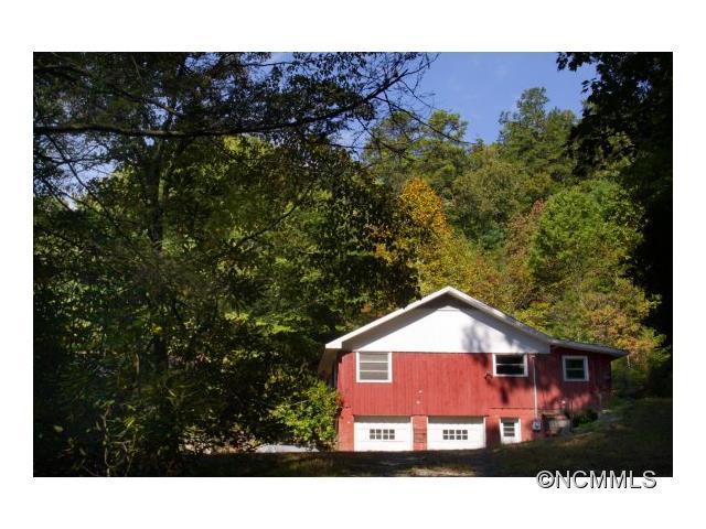 184 Lambs Creek Road, Brevard, NC 28712